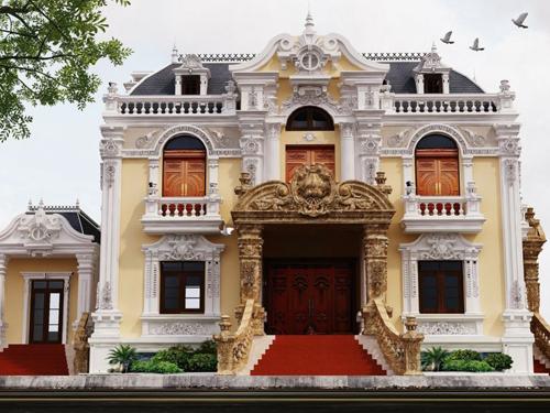 biệt thự 2 tầng cổ điển đẹp
