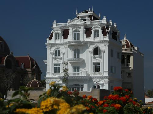 thi công biệt thự kiến trúc tân cổ điển 4 tầng